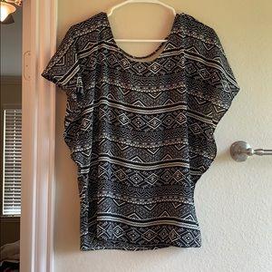 Tops - Geometric print blouse